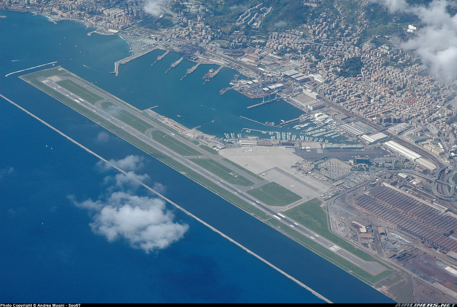 Aeroporto Heraklion : Limj airport information location and details